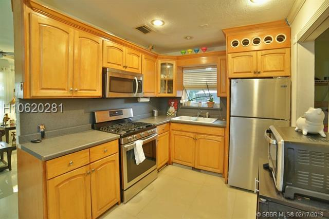 7643 Ramona St, Miramar, FL 33023 (MLS #H10620281) :: Green Realty Properties