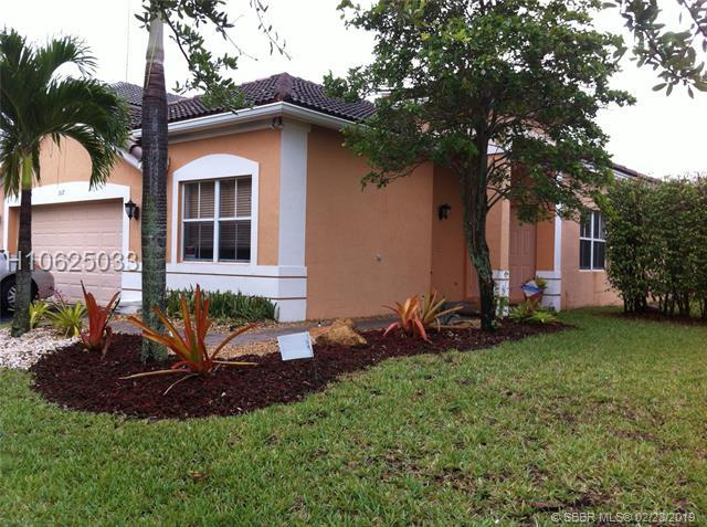 1517 Maple Dr, Weston, FL 33327 (MLS #H10625033) :: RE/MAX Presidential Real Estate Group