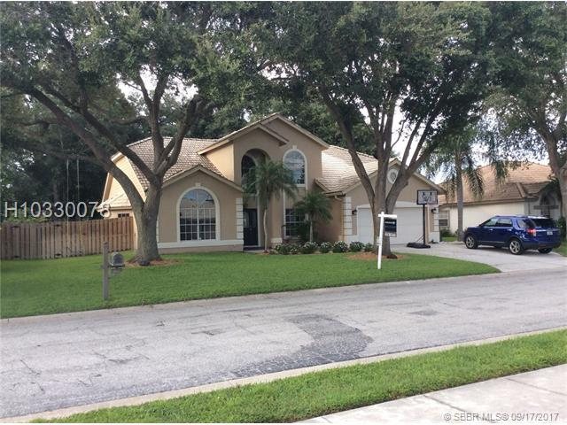 4637 Country Manor Drive, Other City Value - Out Of Area, FL 34233 (MLS #H10330078) :: Green Realty Properties