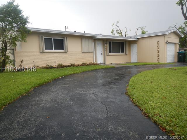 700 64th Ter, Pembroke Pines, FL 33023 (MLS #H10348146) :: Green Realty Properties