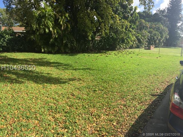 2422 Taylor St, Hollywood, FL 33020 (MLS #H10436550) :: Green Realty Properties