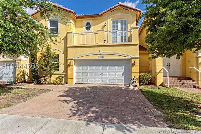 11067 87th Ln, Doral, FL 33178 (MLS #H10444308) :: Green Realty Properties
