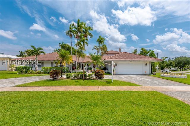 3480 Buchanan St, Hollywood, FL 33021 (MLS #H10462654) :: Green Realty Properties
