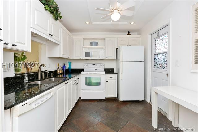 232 12th Ave #307, Hallandale, FL 33009 (MLS #H10471527) :: Green Realty Properties