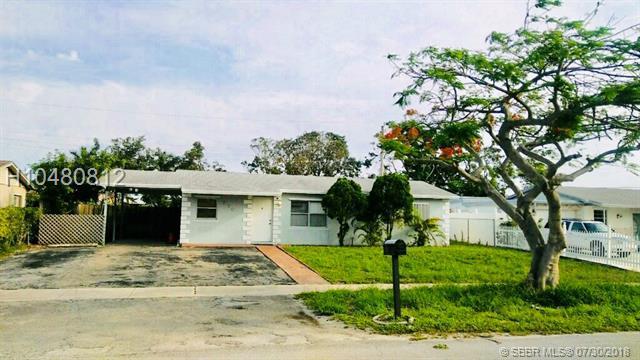 730 11th Ct, Deerfield Beach, FL 33441 (MLS #H10480812) :: Green Realty Properties