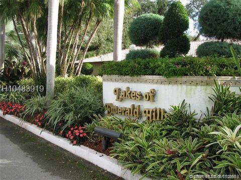 3909 Pinewood Ln #210, Hollywood, FL 33021 (MLS #H10483919) :: Green Realty Properties