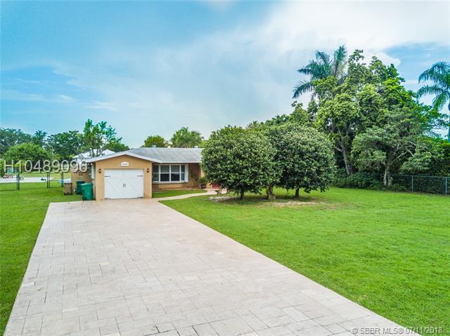 13950 20th St, Davie, FL 33325 (MLS #H10489096) :: Green Realty Properties