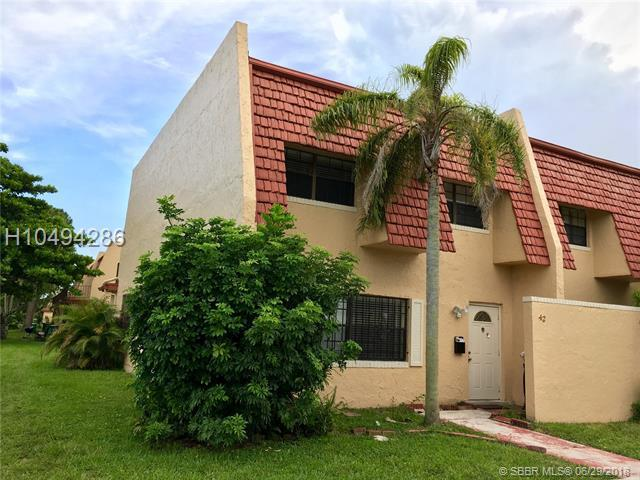 42 Spinning Wheel Ln #42, Tamarac, FL 33319 (MLS #H10494286) :: Green Realty Properties