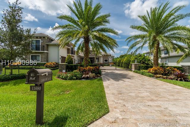 11680 1st Ct, Plantation, FL 33325 (MLS #H10500986) :: Green Realty Properties