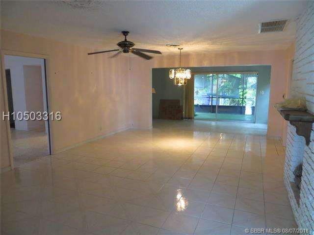 1106 13th Ct, Hollywood, FL 33019 (MLS #H10503316) :: Green Realty Properties