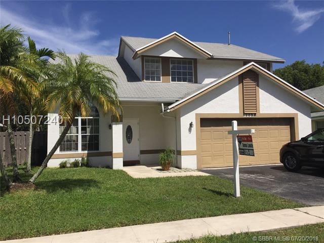 3237 123rd Ave, Sunrise, FL 33323 (MLS #H10507240) :: Green Realty Properties