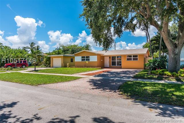 2010 47 Ave, Hollywood, FL 33021 (MLS #H10517146) :: Green Realty Properties