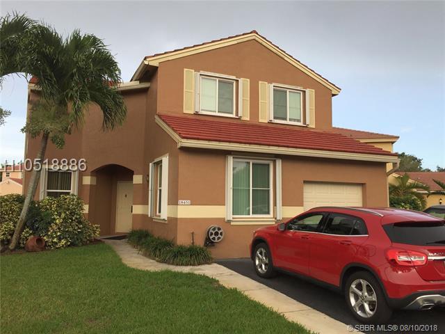 18451 18th St, Pembroke Pines, FL 33029 (MLS #H10518886) :: Green Realty Properties