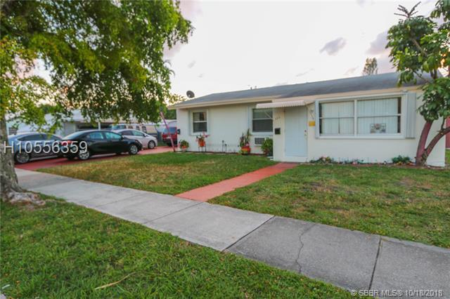 822 20th Ave, Hollywood, FL 33020 (MLS #H10556359) :: Green Realty Properties