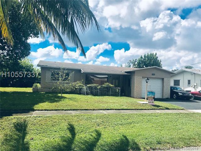1051 5th St, Hallandale, FL 33009 (MLS #H10557337) :: Green Realty Properties