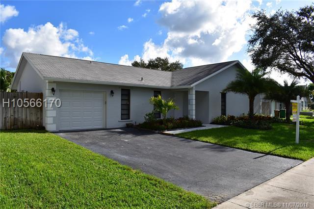 1300 129 WAY, Davie, FL 33325 (MLS #H10566170) :: Green Realty Properties
