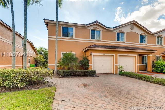 9950 19th Pl #9950, Sunrise, FL 33322 (MLS #H10570403) :: Green Realty Properties