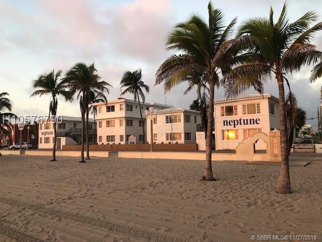 2012 Surf Rd, Hollywood, FL 33019 (MLS #H10576790) :: Green Realty Properties
