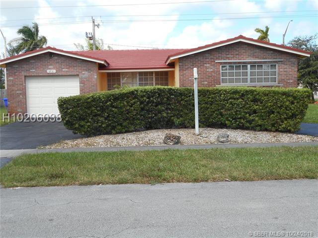 3731 N 41st Ct, Hollywood, FL 33021 (MLS #H10206038) :: Green Realty Properties