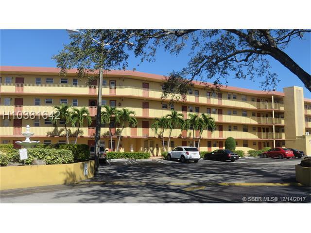 441 195th St #303, Miami, FL 33179 (MLS #H10381642) :: Green Realty Properties