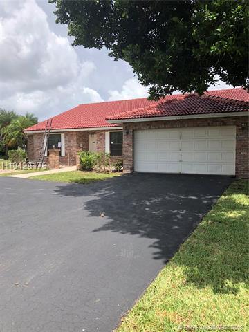 1233 112th Way, Coral Springs, FL 33071 (MLS #H10428176) :: Green Realty Properties
