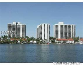 3610 Yacht Club Dr #209, Aventura, FL 33180 (MLS #H10439571) :: Green Realty Properties
