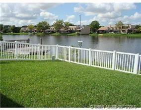 12062 13th St, Pembroke Pines, FL 33026 (MLS #H10494636) :: Green Realty Properties