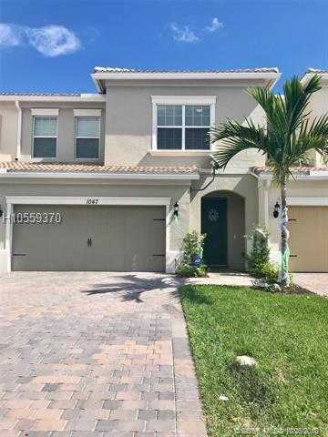 1047 Banyan Dr, Hollywood, FL 33021 (MLS #H10559370) :: Green Realty Properties