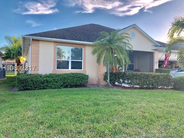 981 NW Tuscany Dr, Port St. Lucie, FL 34986 (MLS #H10609317) :: Green Realty Properties