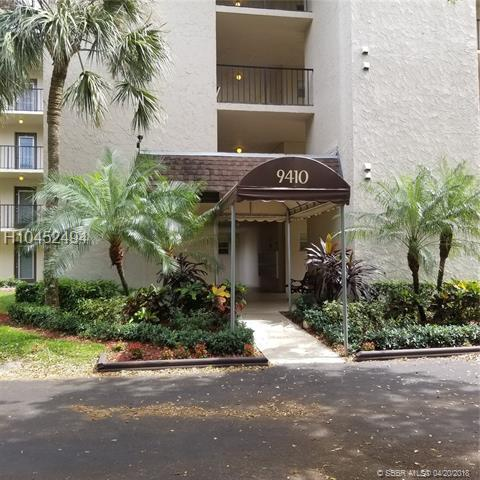 9410 Poinciana #305, Davie, FL 33324 (MLS #H10452494) :: Green Realty Properties