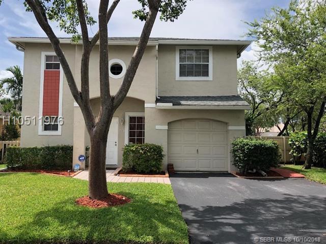 11700 12th St, Pembroke Pines, FL 33026 (MLS #H10511976) :: Green Realty Properties