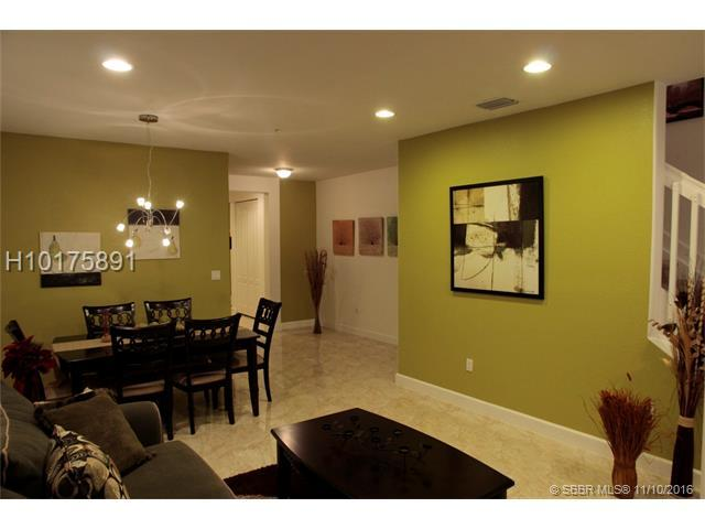 476 SW 147th Ave #4613, Pembroke Pines, FL 33027 (MLS #H10175891) :: Green Realty Properties
