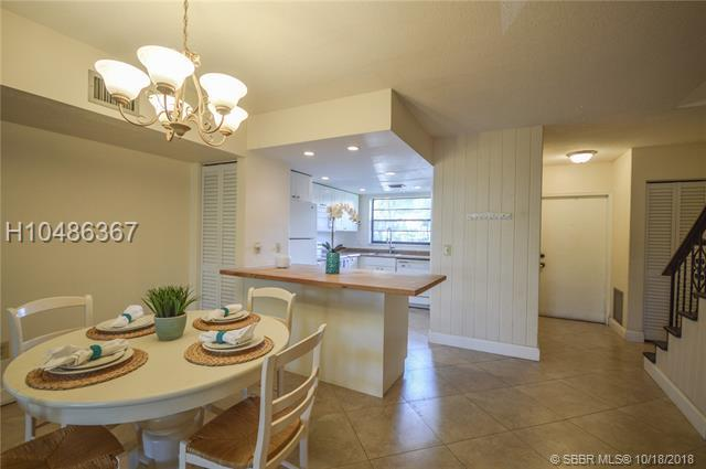 2141 14th Ave, Hollywood, FL 33020 (MLS #H10486367) :: Green Realty Properties