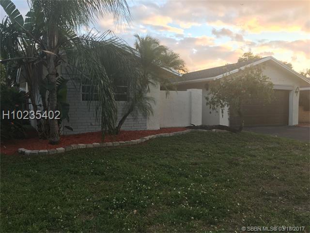9330 NW 37th Mnr, Sunrise, FL 33351 (MLS #H10235402) :: Green Realty Properties