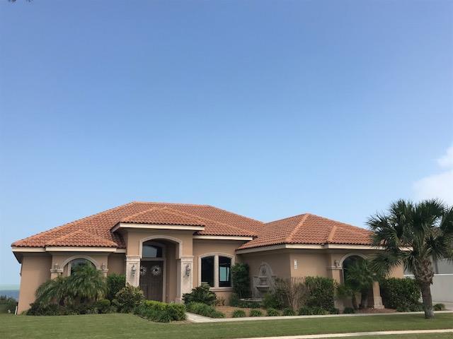 169 Oleander Drive, Laguna Vista, TX 78578 (MLS #89454) :: The Martinez Team