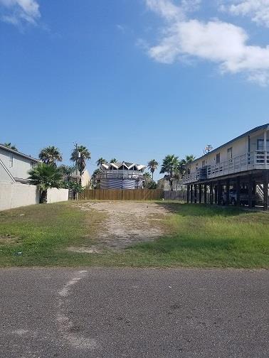 126 E Retama St., South Padre Island, TX 78597 (MLS #91491) :: The Monica Benavides Team, LLC