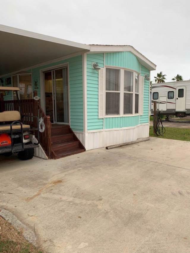 133 E Bonnet Circle, Port Isabel, TX 78578 (MLS #91970) :: The Monica Benavides Team at Keller Williams Realty LRGV
