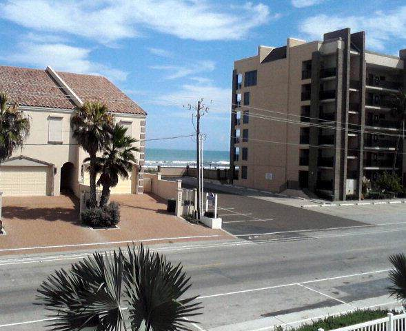 129 E Cora Lee Dr. #201, South Padre Island, TX 78597 (MLS #92125) :: Realty Executives Rio Grande Valley