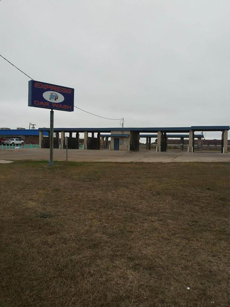 1618 Highway 100 - Photo 1