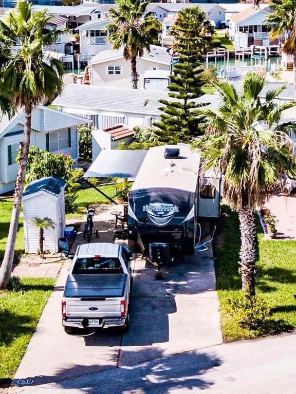 538 W Clam Circle, Port Isabel, TX 78578 (MLS #92579) :: The Monica Benavides Team at Keller Williams Realty LRGV