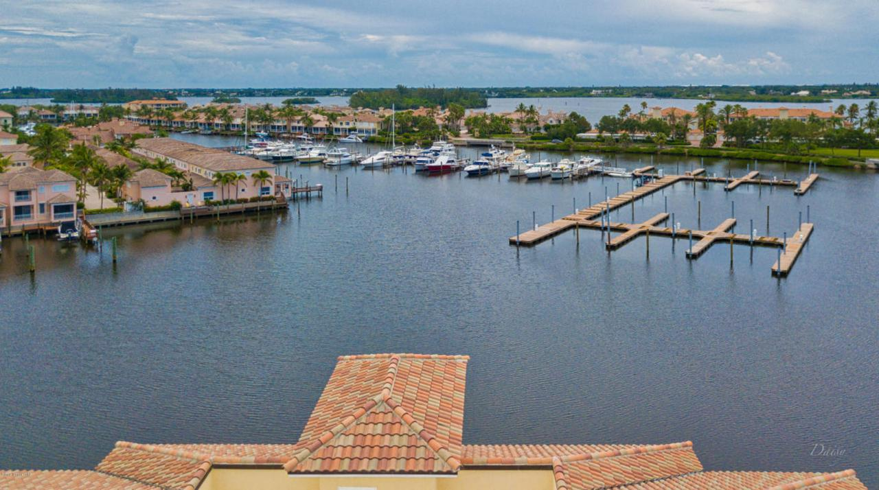 5260 Harbor Village Drive - Photo 1