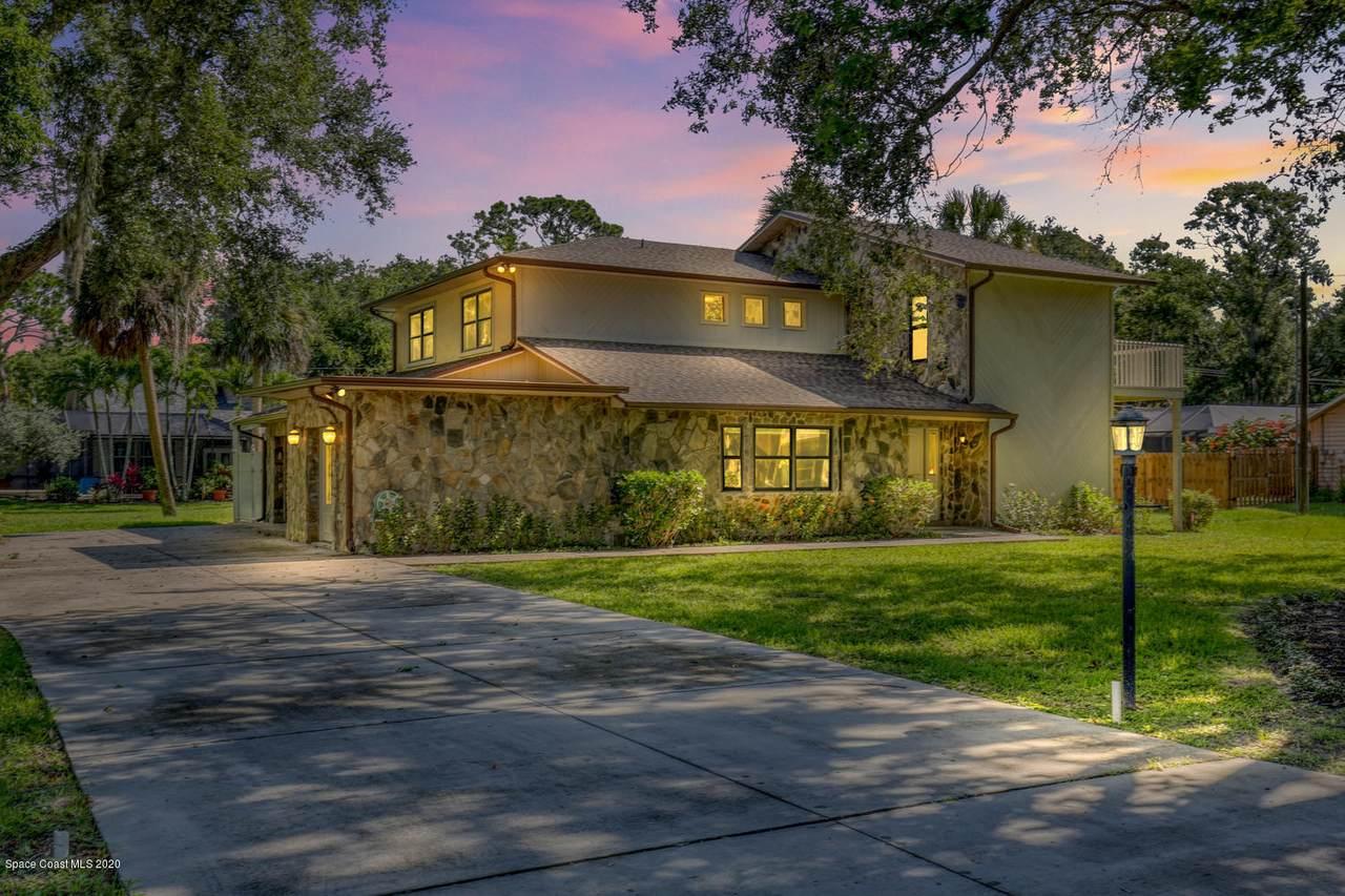 1490 Oaks Drive - Photo 1