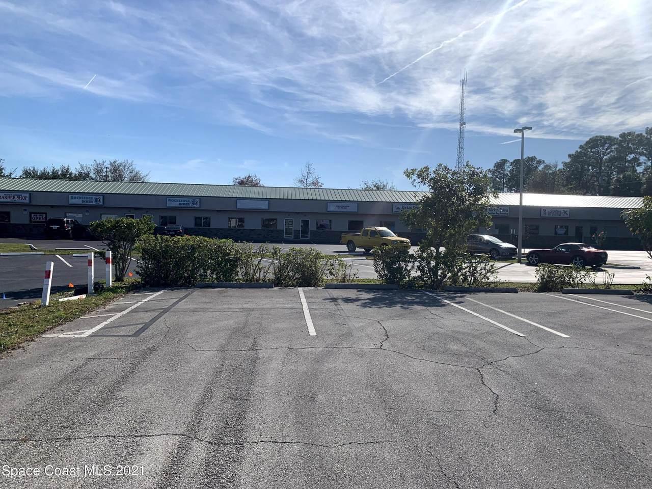 563 Barton Boulevard - Photo 1