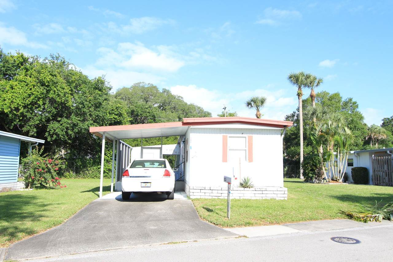 340 Holiday Park Boulevard - Photo 1
