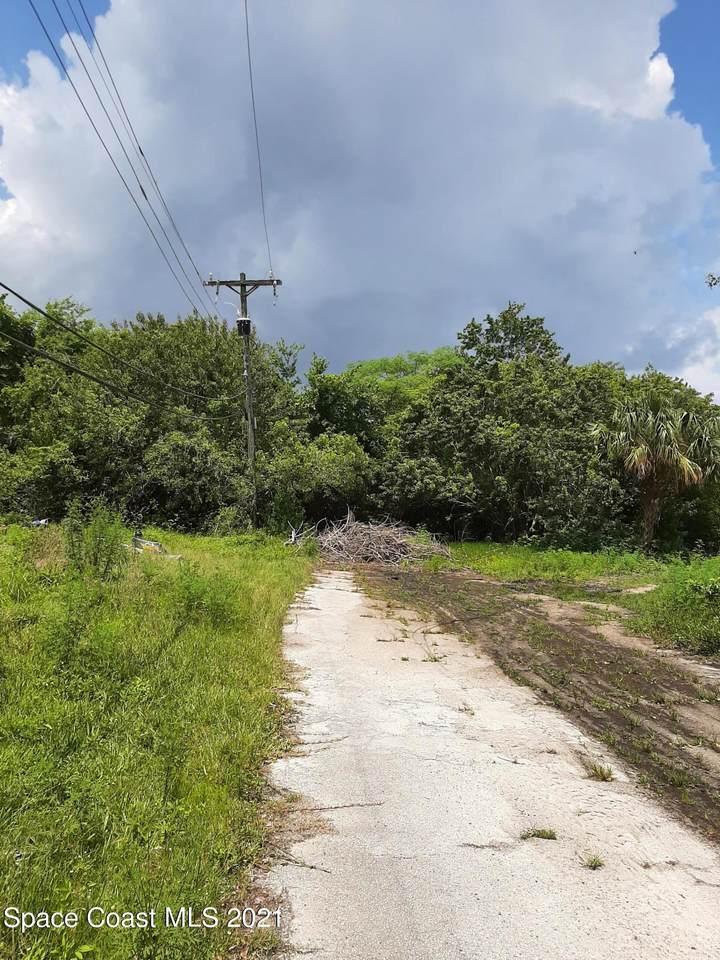 1640 Sue Drive - Photo 1