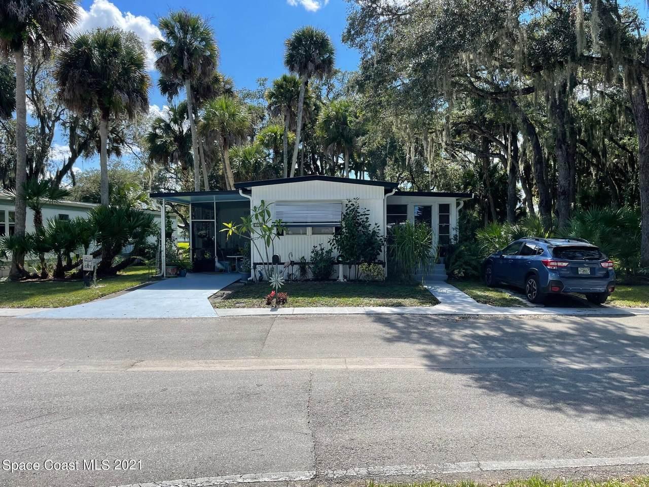 394 Holiday Park Boulevard - Photo 1