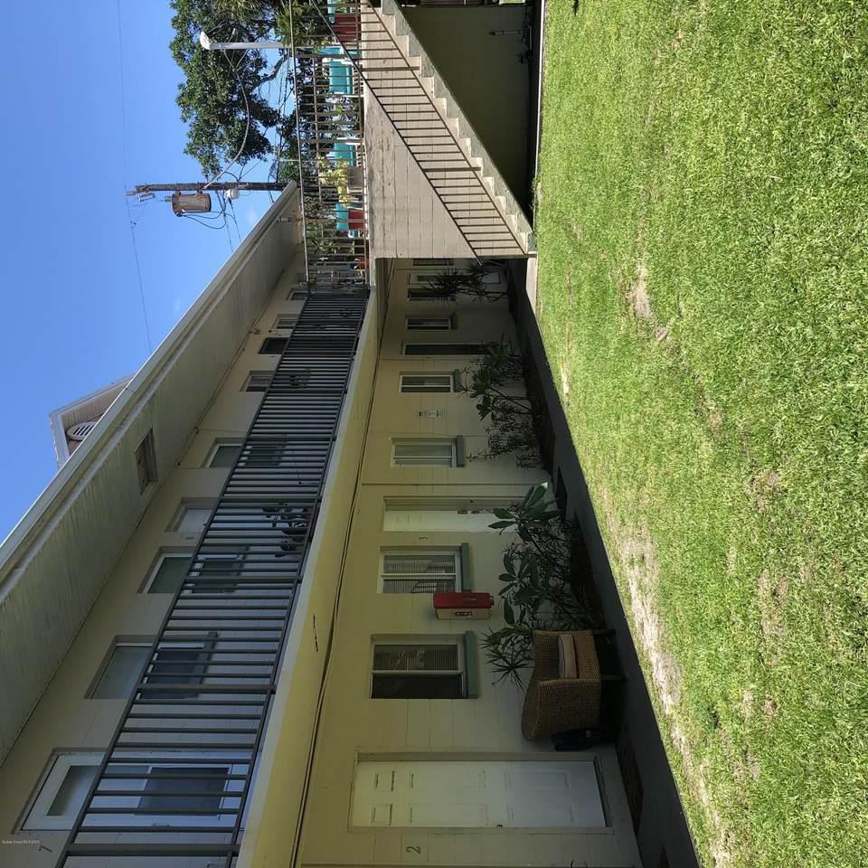 404 Tyler Avenue - Photo 1