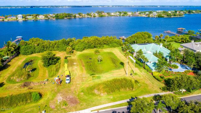 135 Lansing Island Drive, Indian Harbour Beach, FL 32937 (MLS #791408) :: Better Homes and Gardens Real Estate Star