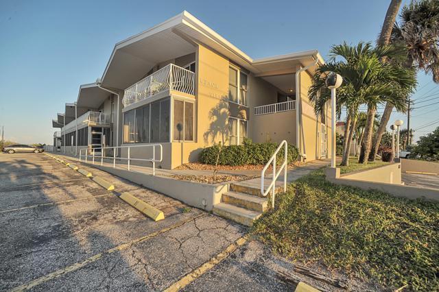 2625 S Atlantic Avenue #18, Cocoa Beach, FL 32931 (MLS #825248) :: Premium Properties Real Estate Services