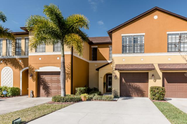 1385 Lara Circle #102, Rockledge, FL 32955 (MLS #834326) :: Platinum Group / Keller Williams Realty